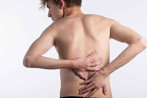 背中の痛みと横隔膜の関係