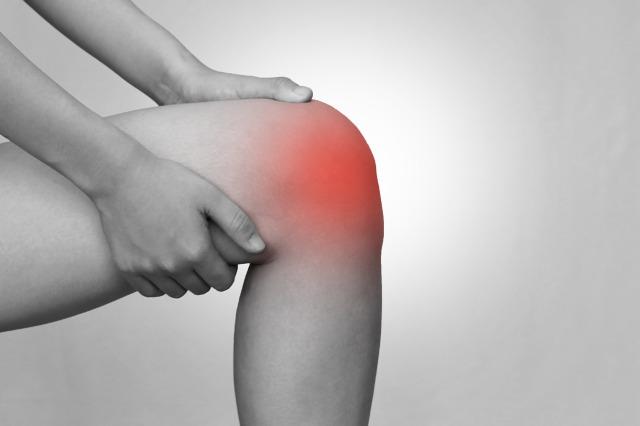 膝痛と肋骨は関係あります。